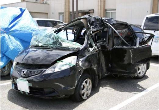 高速道路横転死亡事故